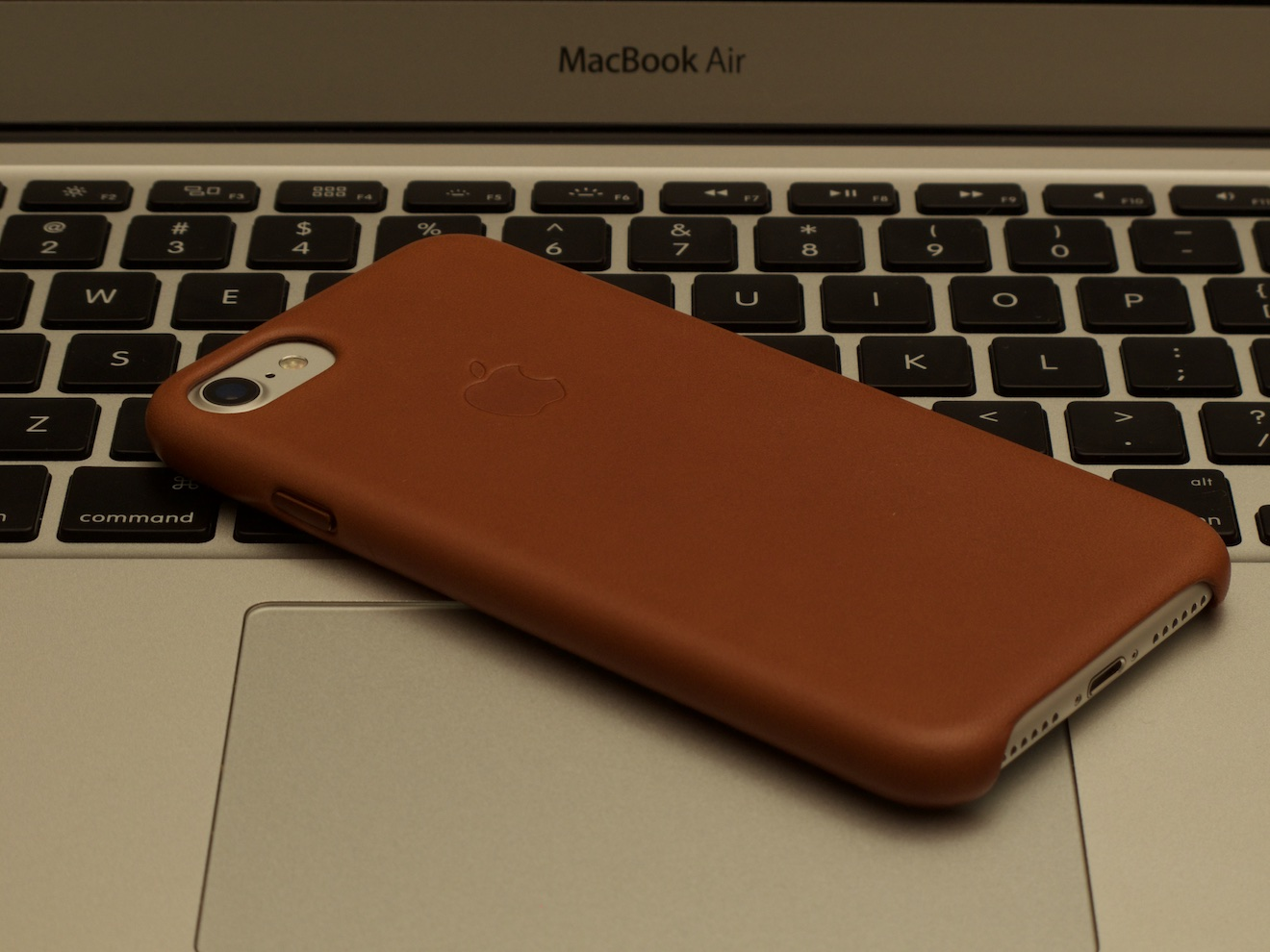 Apple純正 iPhone 8/7 サドルブラウン 新品